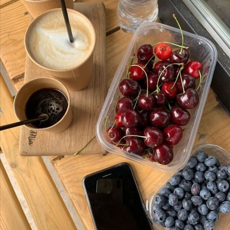 aesthetic, food, and berry image