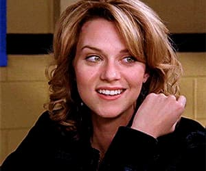 one tree hill, gif, and Hilarie Burton image