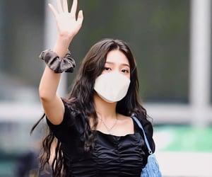 joy, kpop, and sooyoung image