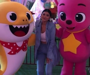 colors, pink, and kylie jenner image