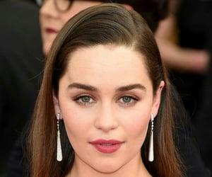 actress and emilia clarke image