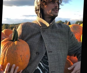 matthew gray gubler, autumn, and mgg image