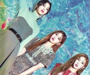 kim lip, jinsoul, and choerry image