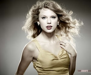 speak now and Taylor Swift image