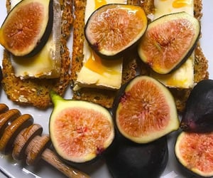 bread, فطور, and figs image