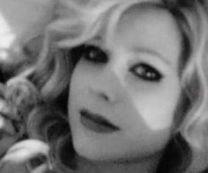 Avril Lavigne and avril lavigne icon image