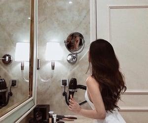 bathroom, body, and girl image