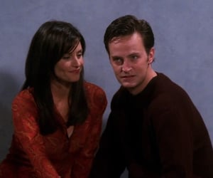 2000, chandler bing, and Courteney Cox image