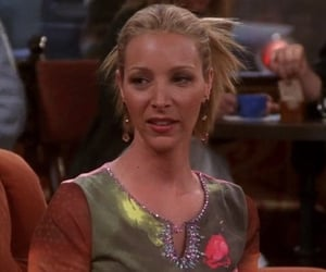 phoebe buffay at tow the engagement picture