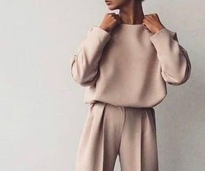 beige, fall, and moda image