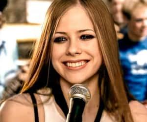 Avril Lavigne, belleza, and complicated image