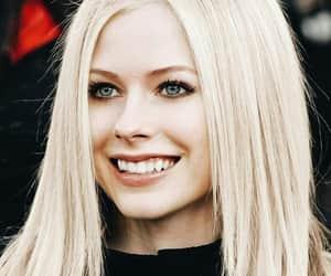 Avril Lavigne, belleza, and musica image