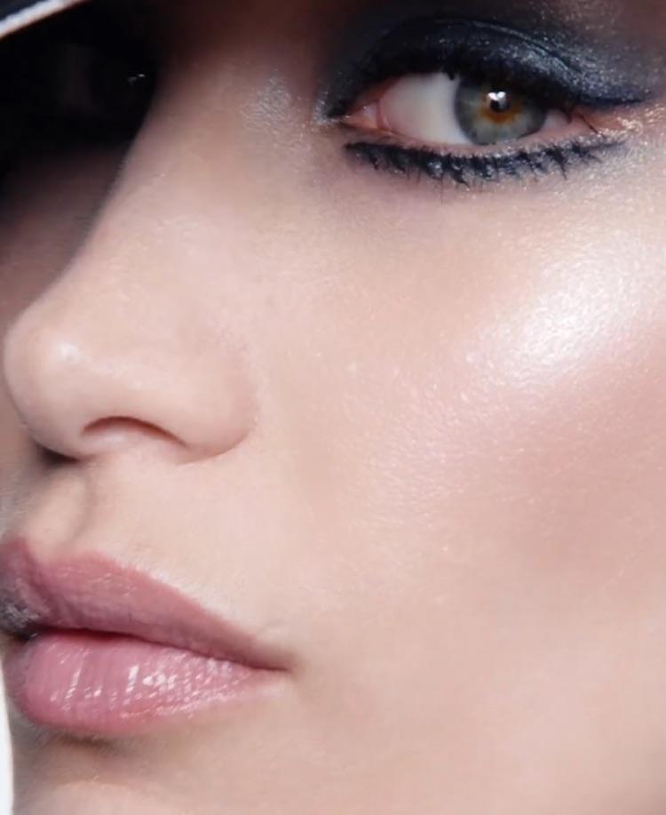beauty, makeup, and bella hadid image