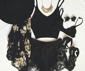 girl, outfit, and summer outfits image