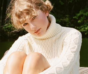 folklore and Taylor Swift image
