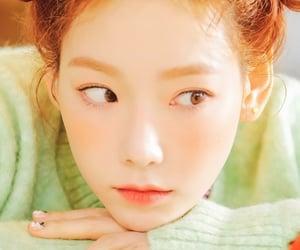 Corea, taeyeon, and girlsgeneration image