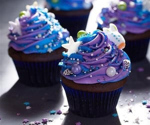 bakery, chocolate, and cupcakes image