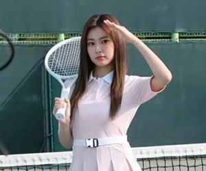 kang hyewon, lq, and izone image
