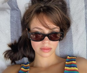 beautiful woman, chill, and beauty goal image
