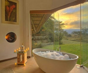 A Bubble Bath 🛀 Candles and A View
