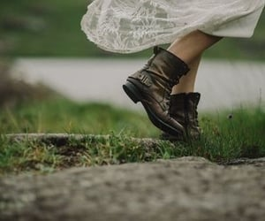 aesthetic, grass, and lace image
