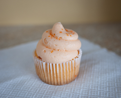 cupcake, butter cream, and cake image