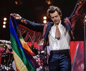 Harry Styles, tour, and one direction image