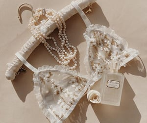 aesthetic, flowers, and pearls image