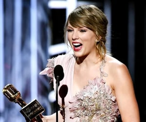 award, Reputation, and singer image