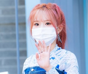 kpop, fromis, and hayoung image