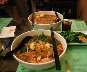 Prawn noodles served in Prawn Noodle Shop