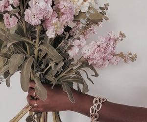 accessoires, details, and jewellery image