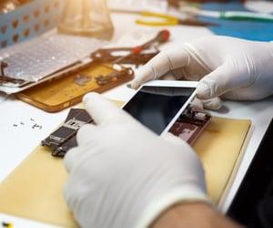 cell phone repair image