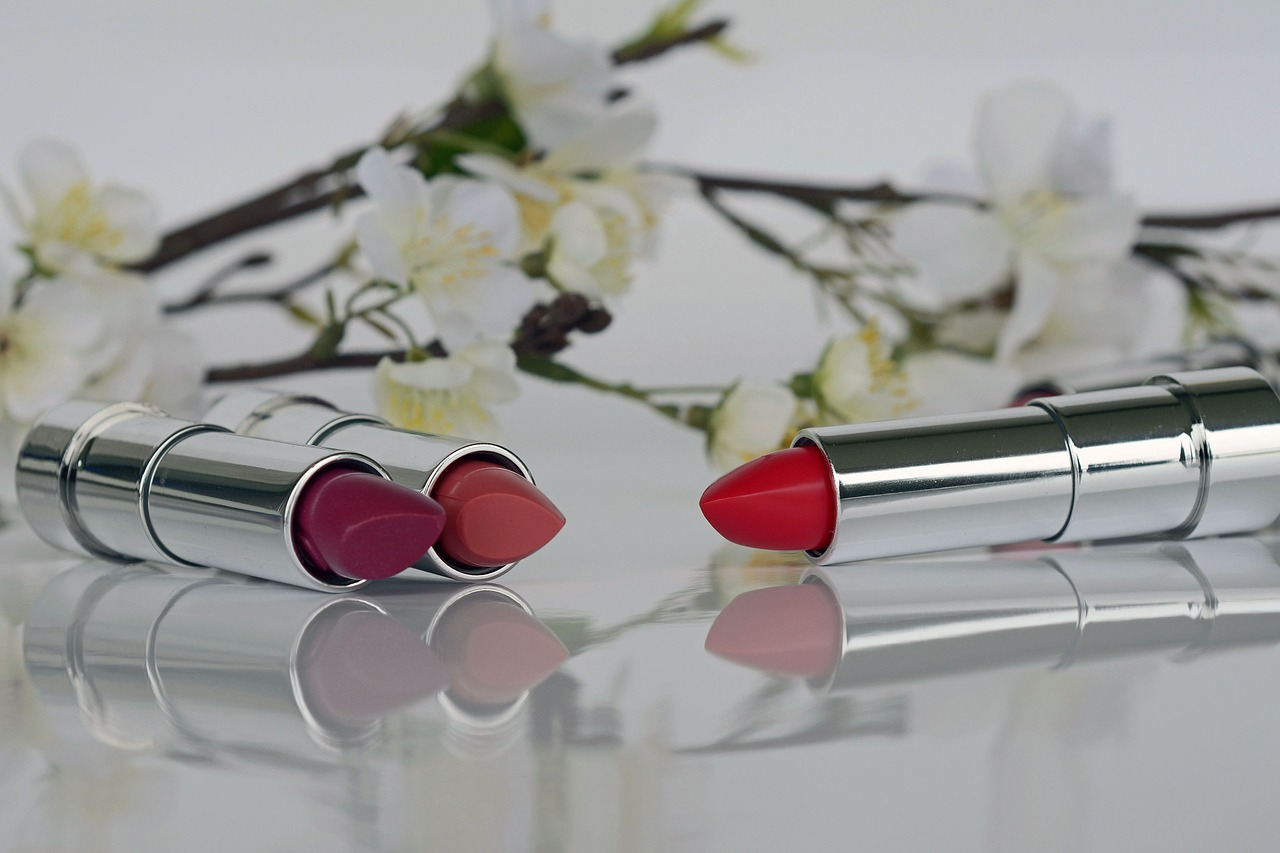 article and best matte lipsticks image