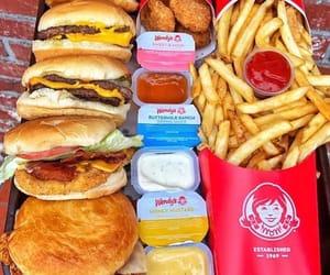 fries, hamburger, and poulet image