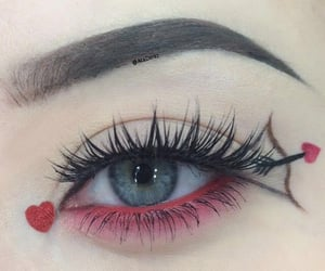 heart eye make-up image