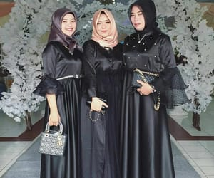 fashion, islam, and modest image