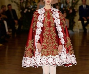 dolce gabbana, model, and red image