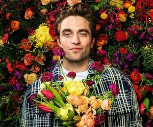 robert pattinson, flowers, and twilight image