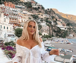 Amalfi coast, girls, and outfits image