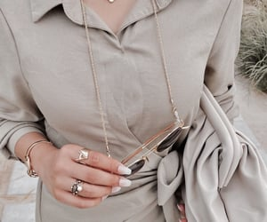 details, jewelry, and accessories image