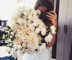 chic, flowers, and pretty image