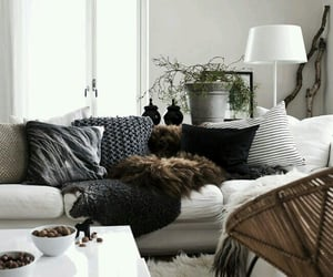 I love this living room colors are so suitable
