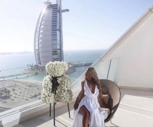 abu dhabi, Dubai, and girl image