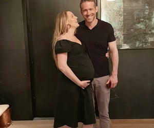 blake lively, pregnant, and ryan reynolds image
