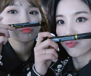 lq, kim chaewon, and kwon eunbi image
