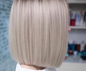 blond, cheveux, and court image