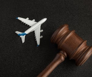 airline claim and delayed flights claim image