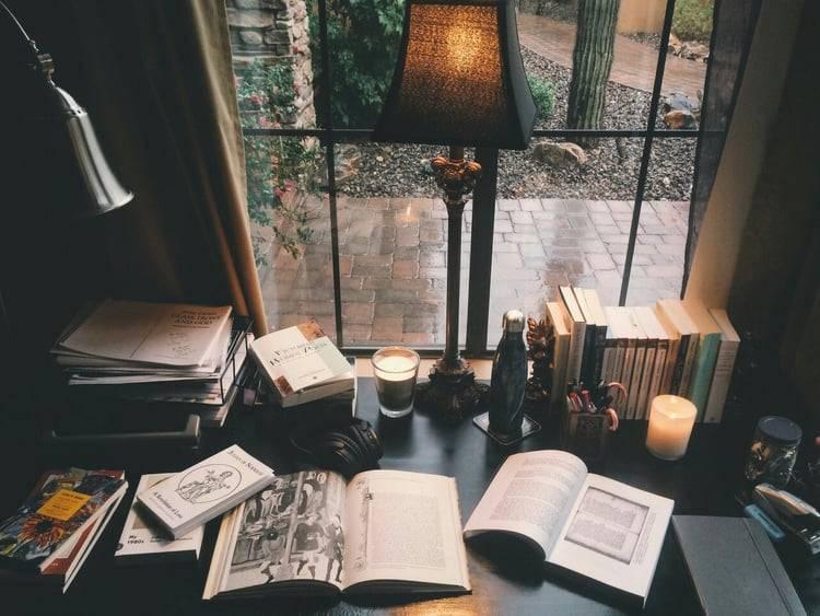 article, bookaholic, and daniel silva image