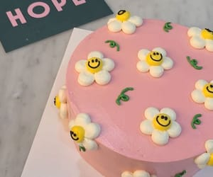 cake, daisy, and flowers image